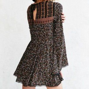 Urban Outfitters Belle Sleeve Flowy Dress